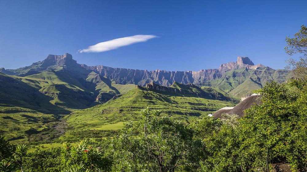 South_Africa_-_Drakensberg_(16261357780).jpg