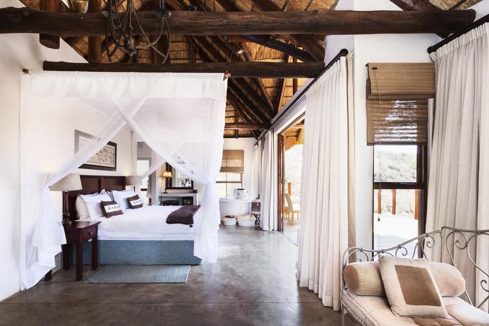 esiweni_luxury_safari_lodge-_room.jpg