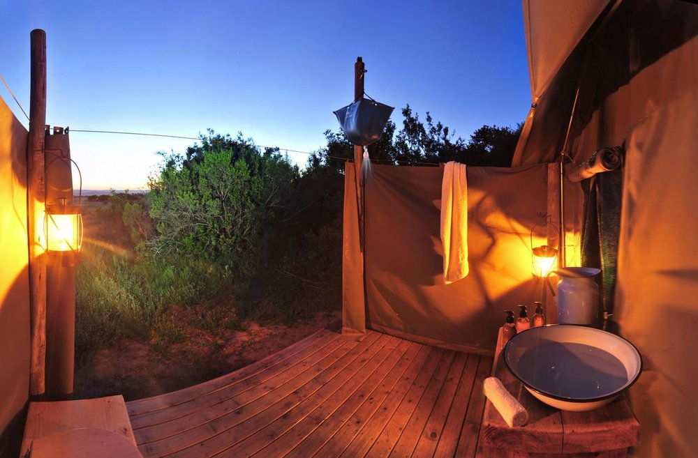 shamwari_explorer_bathroom_2015_edit1.jpg