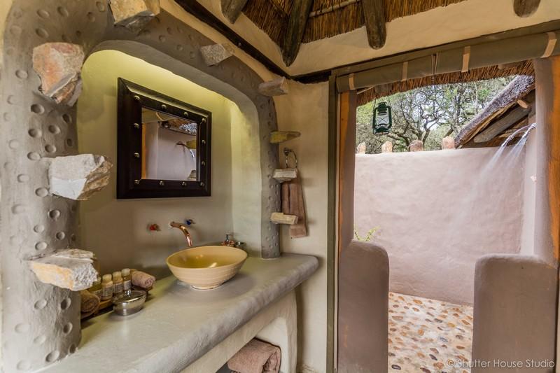 Safari_Lodge_Amakhala_Game_Reserve_Bathroom.jpg