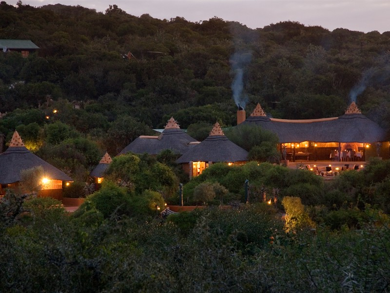 Eastern_Cape_Accommodation_Safari_Lodge_Amakhala_Game_Reserve_exterior.jpg
