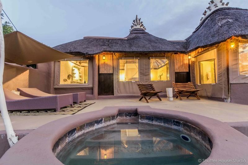 Safari_Lodge_Amakhala_Game_Reserve_Private_pool.jpg