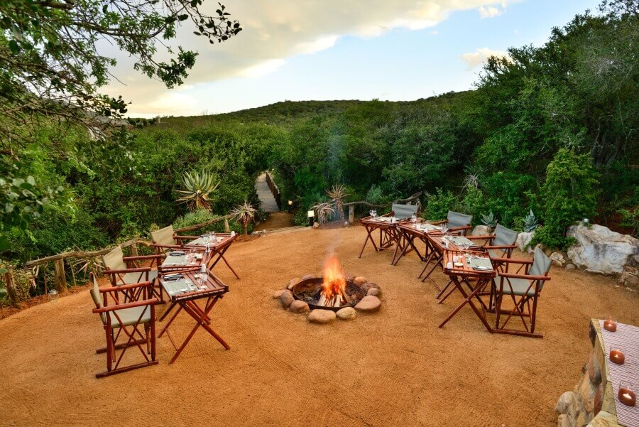 Lobengula-Lodge-Boma-dining-Gallery-1.jpg