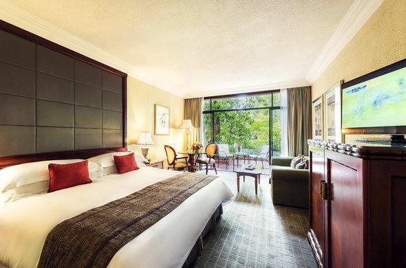 sun-city-the-cascades-superior-luxury-room-590x390.jpg