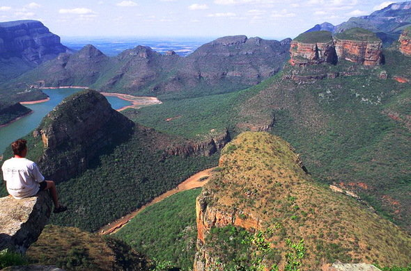 blyde-river-canyon-south-africa-01-590x390.jpg