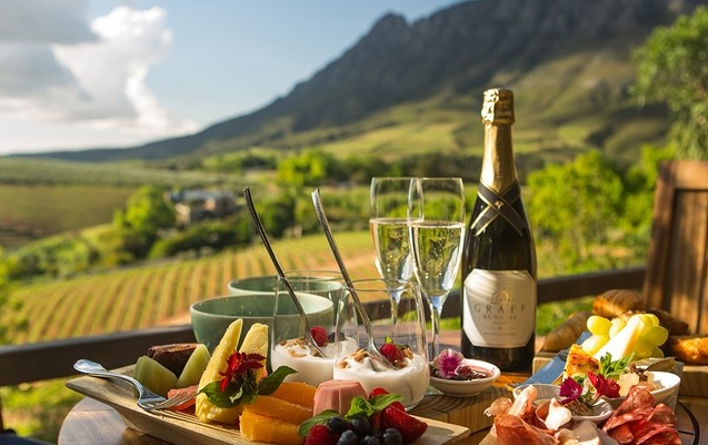 Financial-boost-for-Stellenbosch-Tourism-800x400.jpg