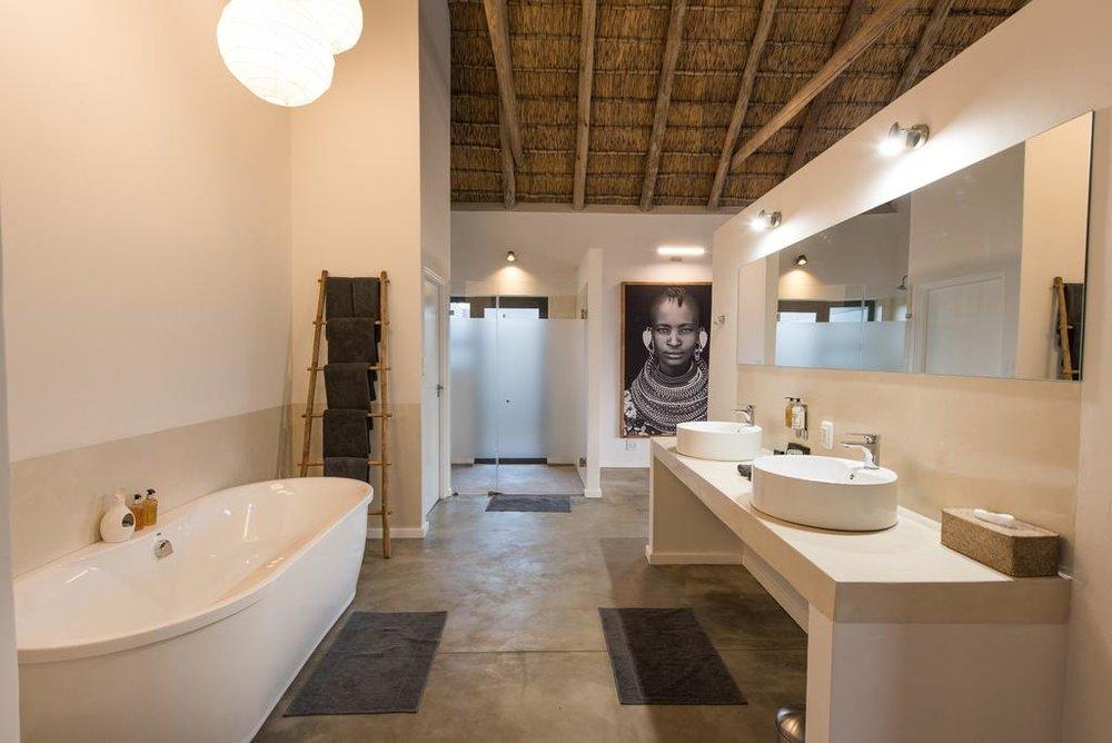 Agence_de_voyages_basée_en_Afrique_Tours_et_voyage_à_Cape_Town_et_les_vignobles_Voyage_de_noces avec_CapOuPasCap_Voyage_Unembeza Lodge4.jpg
