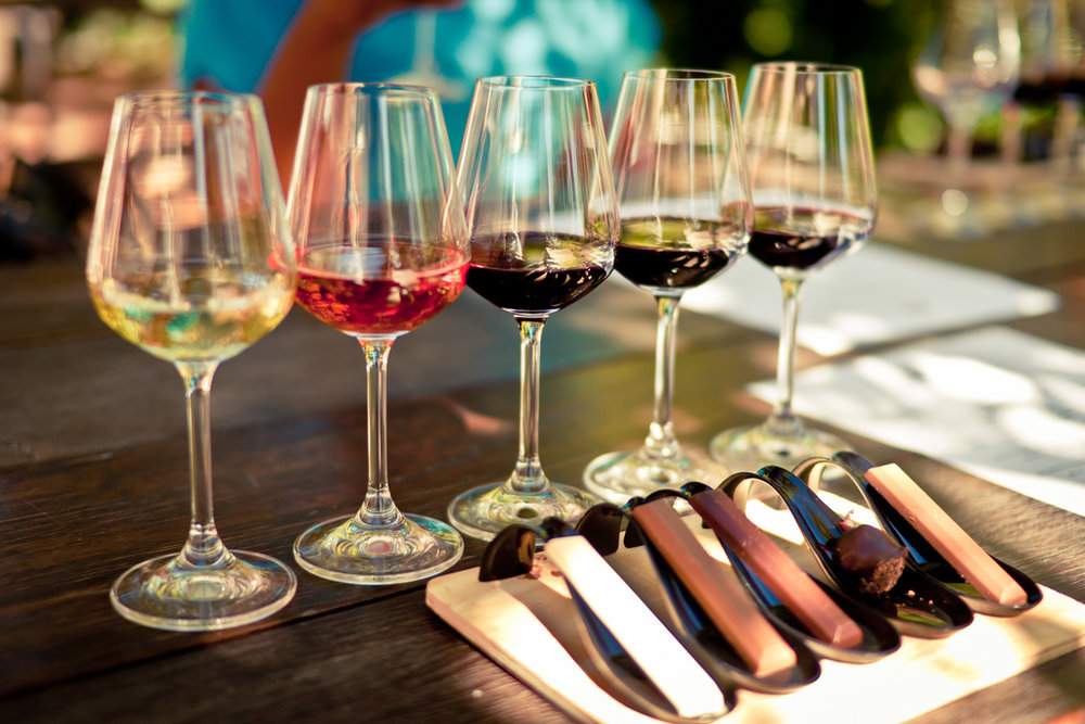 Voyage de noces culture et dégustation - Partez à la découverte de Cape Town et de la route des vins. Ces grandes vallées couvertes d'interminables rangées de vignes et entourées de montagnes grandioses constituent un véritable paradis pour les amateurs de vin et de gastronomie.                                   8 jours/ 7 nuits