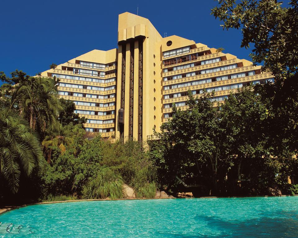 Agence_de_voyages_basée_en_Afrique_Tours_et_voyage_à_Cape_Town_et_les_vignobles_Voyage_de_noces avec_CapOuPasCap_Voyage_Sun_City_Cascades6.jpg