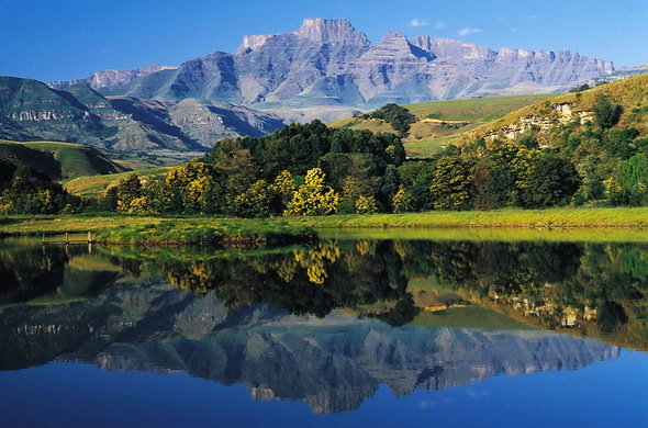 Agence_de_voyages_basée_en_Afrique_Tours_et_voyage_à_Cape_Town_et_les_vignobles_Voyage_de_noces avec_CapOuPasCap_Voyage_drakensberg.jpg
