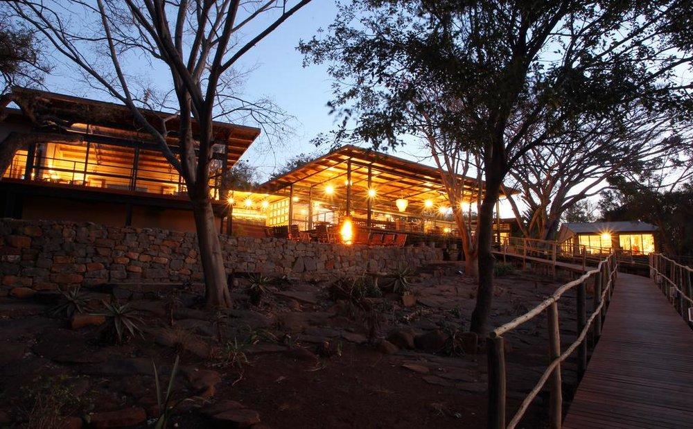 Agence_de_voyages_basée_en_Afrique_Tours_et_voyage_à_Cape_Town_et_les_vignobles_Voyage_de_noces avec_CapOuPasCap_Voyage_Durban_Rorkes_drift.jpg