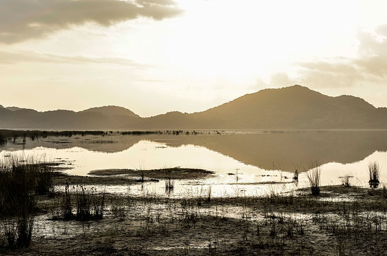 Bhangazi-Lake.jpg