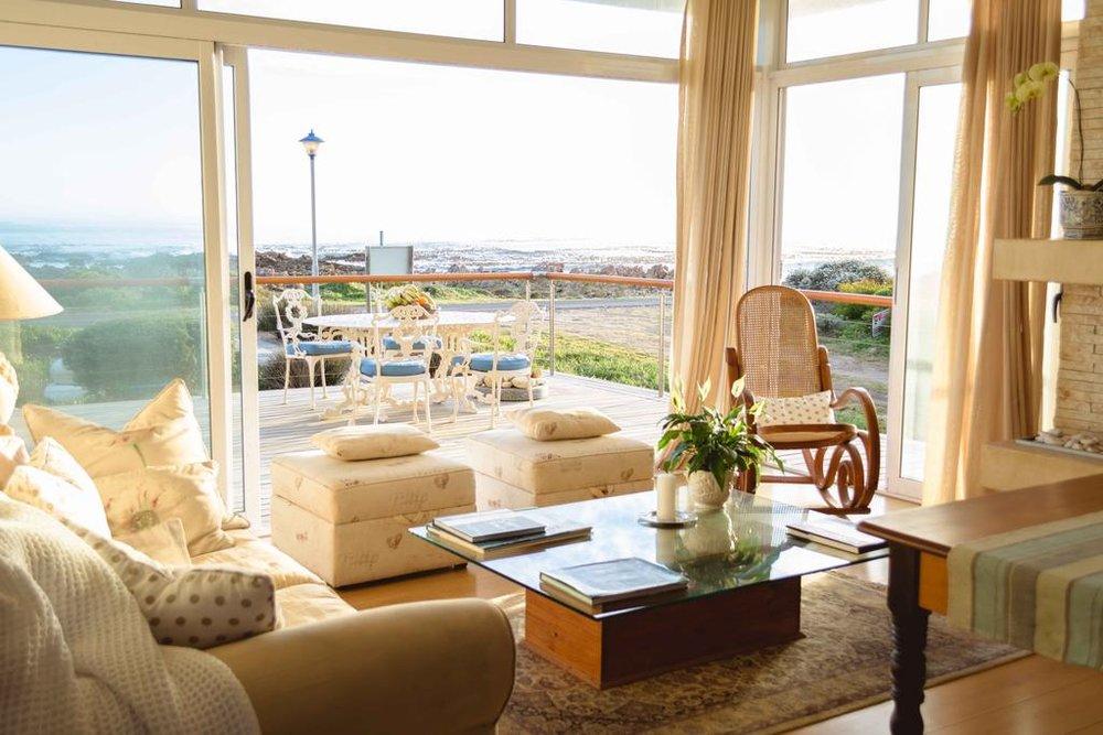 Agence_de_voyages_basée_en_Afrique_Tours_et_voyage_à_Cape_Town_et_les_vignobles_Voyage_de_noces avec_CapOuPasCap_Voyage_Corner house_Hermanus_138_marine3.jpg