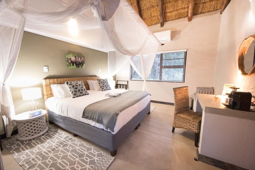 Travel_agency_based_in_South_Africa_Safaris_Sejour Activités_Kruger park_Panoramic route_Nelspruit_hoedspruit_bush_baby_river_lodge8.jpg