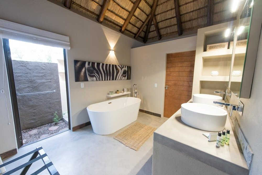 Travel_agency_based_in_South_Africa_Safaris_Sejour Activités_Kruger park_Panoramic route_Nelspruit_hoedspruit_bush_baby_river_lodge5.jpg