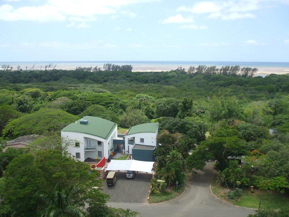 Agence de voyages basée en Afrique. Circuits et Safaris en Afrique. Loges pour les familles et les couples. St Lucia_ScereneEstate9.jpg