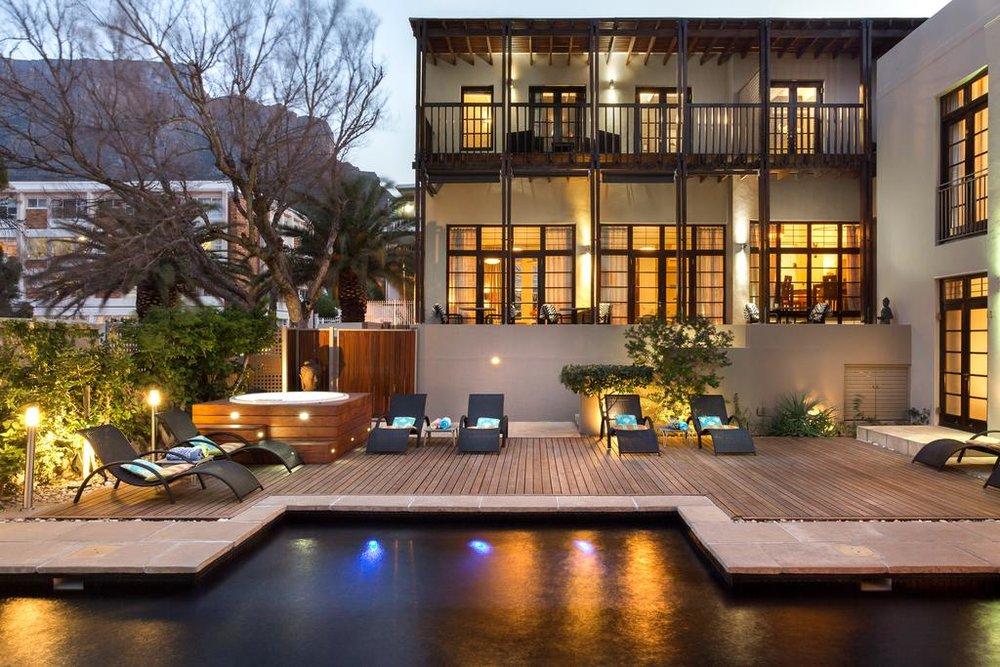 Agence de voyages basée en Afrique. Circuits et Safaris en Afrique. Loges pour les familles et les couples._le_cap_Derwent House.jpg