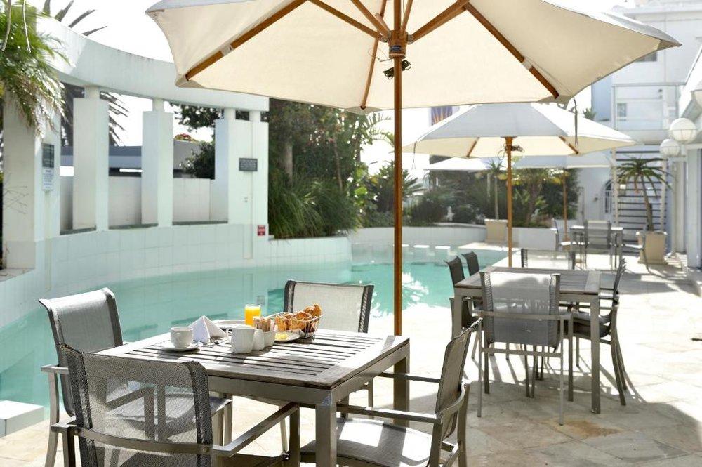 Agence de voyages basée en Afrique. Circuits et Safaris en Afrique. Loges pour les familles et les couples._le_cap_The_Penisnusla All Suite Hotel9.jpg
