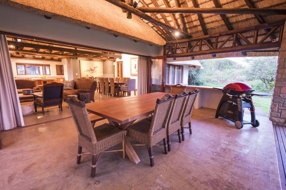 Agence locale pour Circuits, safaris et destinations en Afrique. Nous répondons à votre budget et vos besoins. Safaris en famille et visites guidées_Ane_hluhluwe hotel7.jpg