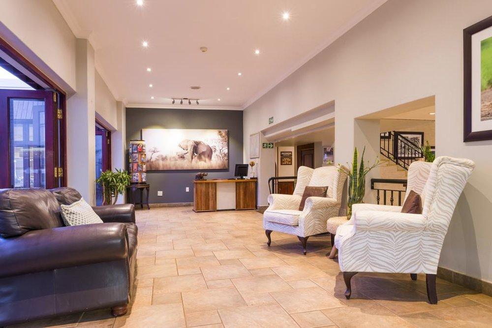 Agence locale pour Circuits, safaris et destinations en Afrique. Nous répondons à votre budget et vos besoins. Safaris en famille et visites guidées_Ane_hluhluwe hotel3.jpg