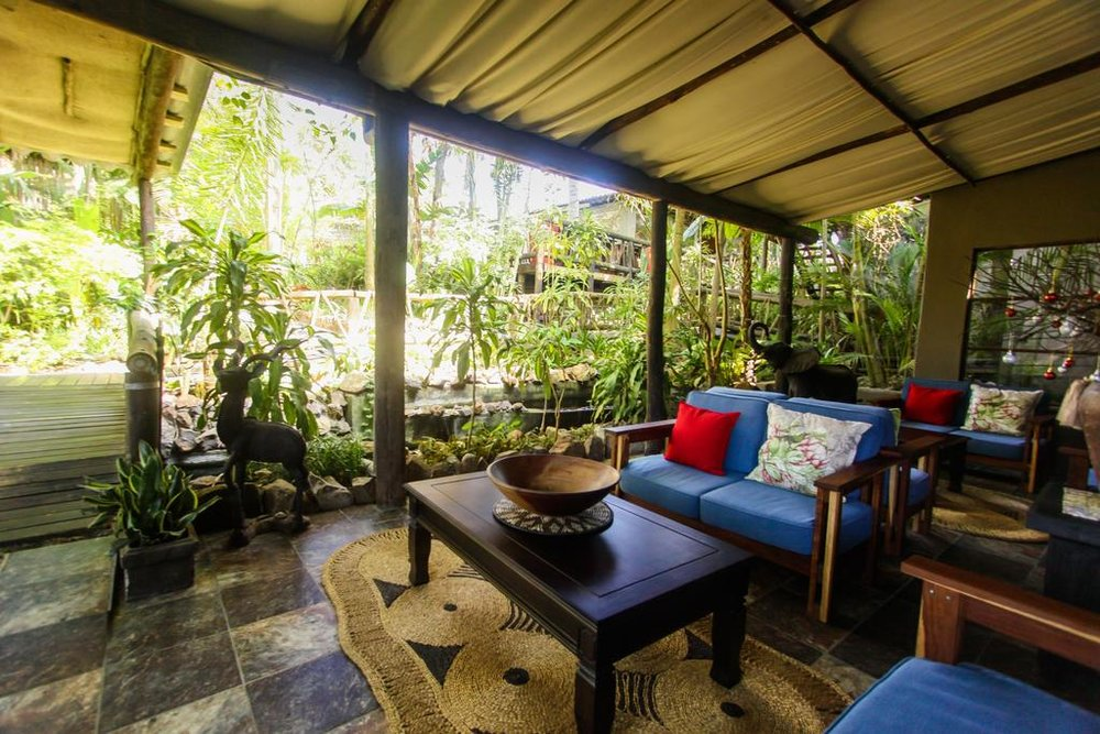 Agence de voyages basée en Afrique. Circuits et Safaris en Afrique. Loges pour les familles et les couples. St Lucia_umliloLodge5.jpg