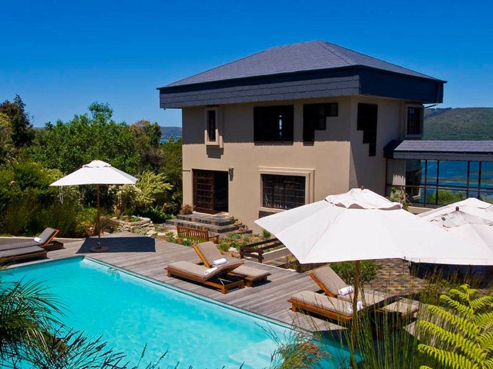 Agence_de_voyages_basée_en_Afrique_Tours_et_voyage_à_Cape_Town_et_les_vignobles_Voyage_de_noces avec_CapOuPasCap_Voyage_la_route_des_jardins_knynsa_kanonkop house2.jpg