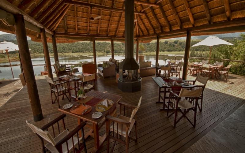 Water_Lodge_Main_Deck1-min.jpg