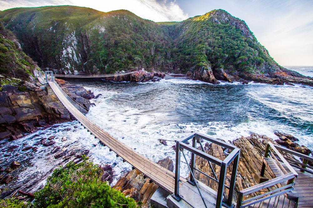 La Route d'Ikhaya - - 15 jours / 14 nuitsCe périple en voiture regroupe toutes les étapes de la route des jardins. Vous commencez votre séjour au Cap pour finir jusqu'à Port Elizabeth, vous traverserez deux provinces le Western Cape et l'Eastern Cape. Cette route est remplie d'activités, de réserves naturelles et de jolies petites villes.