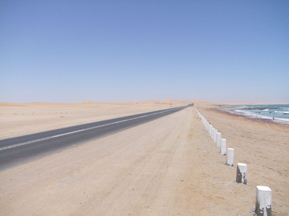 road-to-WalvisBay.jpg