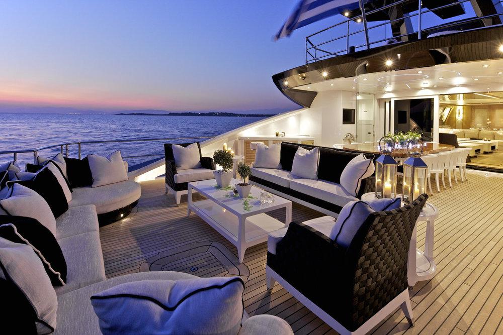 Copy of Aft deck sport yacht 135