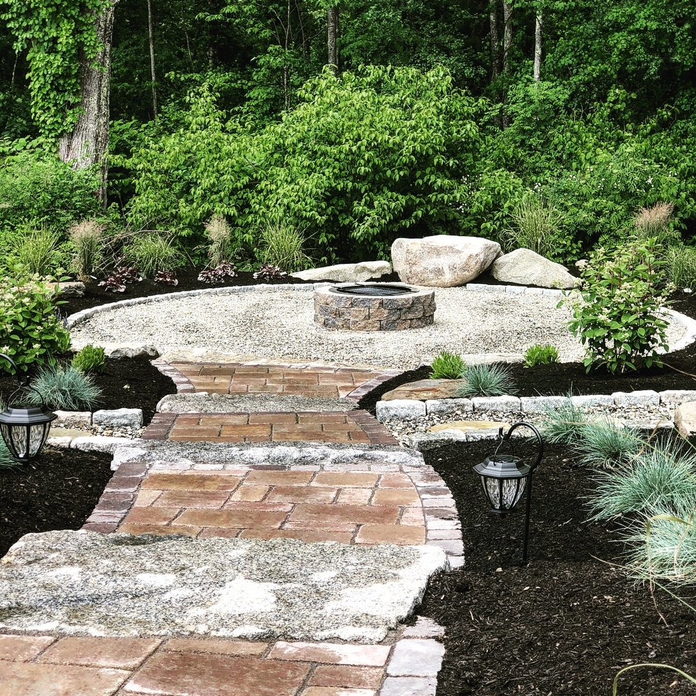 Retaining Walls & Stone Masonry <strong> Concrete & Natural Stone.</strong><a href=/stone-masonry-and-hardscaping-portsmouth-nh>More</a>