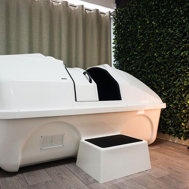 We're pleased to announce that Lacor Float Centre have decided to partner with Uni FC and are offering $50 float sessions for all Uni FC players throughout the season. That's a $25 saving!  Floating in a weightless state and immersed in up to 400kg of Epsom salts is perfect for athletes who need a bit of help with their recovery. (After a 9pt day and big launch night Saturday I'm sure there'll be a few who could do with some extra recovery aids)  Why is floating great for muscle recovery? As well as reducing levels of lactic acid in the body, the weightlessness experienced in the tank gives every single muscle and joint in your body a chance to completely relax and repair  Be sure you get down and give it a go! @lacornewcastle  #float #floating #sensorydeprivation