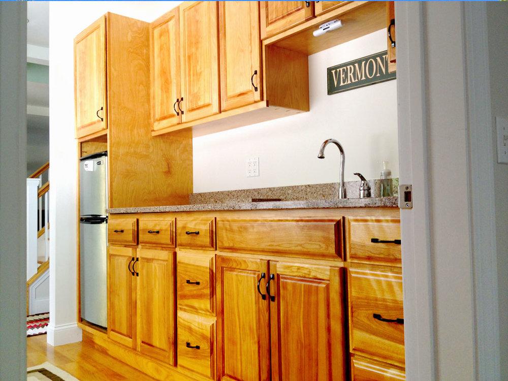 kitchenette_custom-cabinetry.jpg