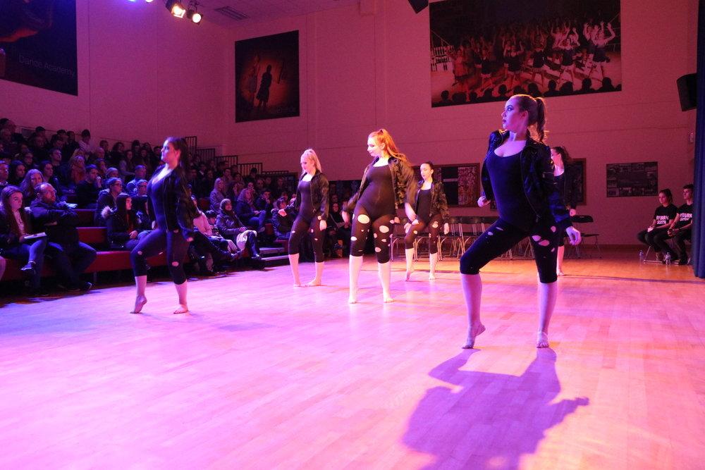Senior Dance Class - Upper School Lunch / Theatre / Mrs Clarke / Dance