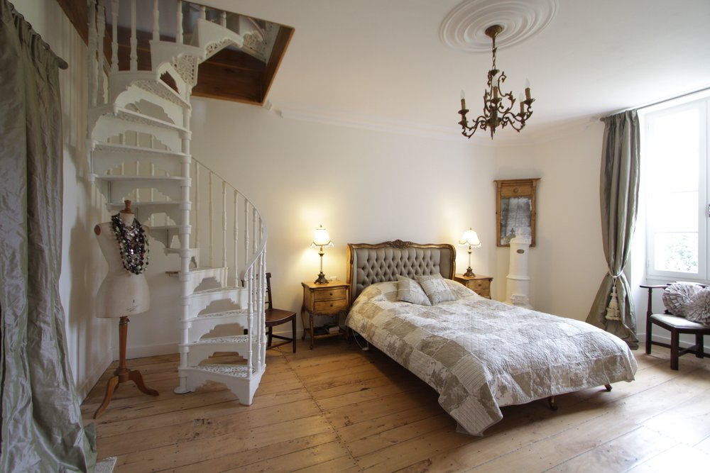 Chateau Master Bedroom a.jpg