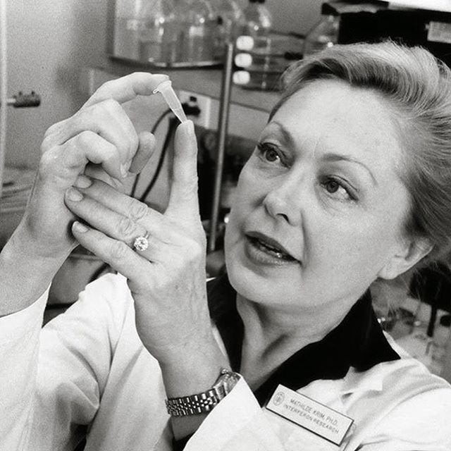 RIP Dr. Mathilde Krim  A pioneering scientist and activist in the fights against AIDS, battling homophobia and stigma, and a founding chairman of @amfAR  Thank you for your work.