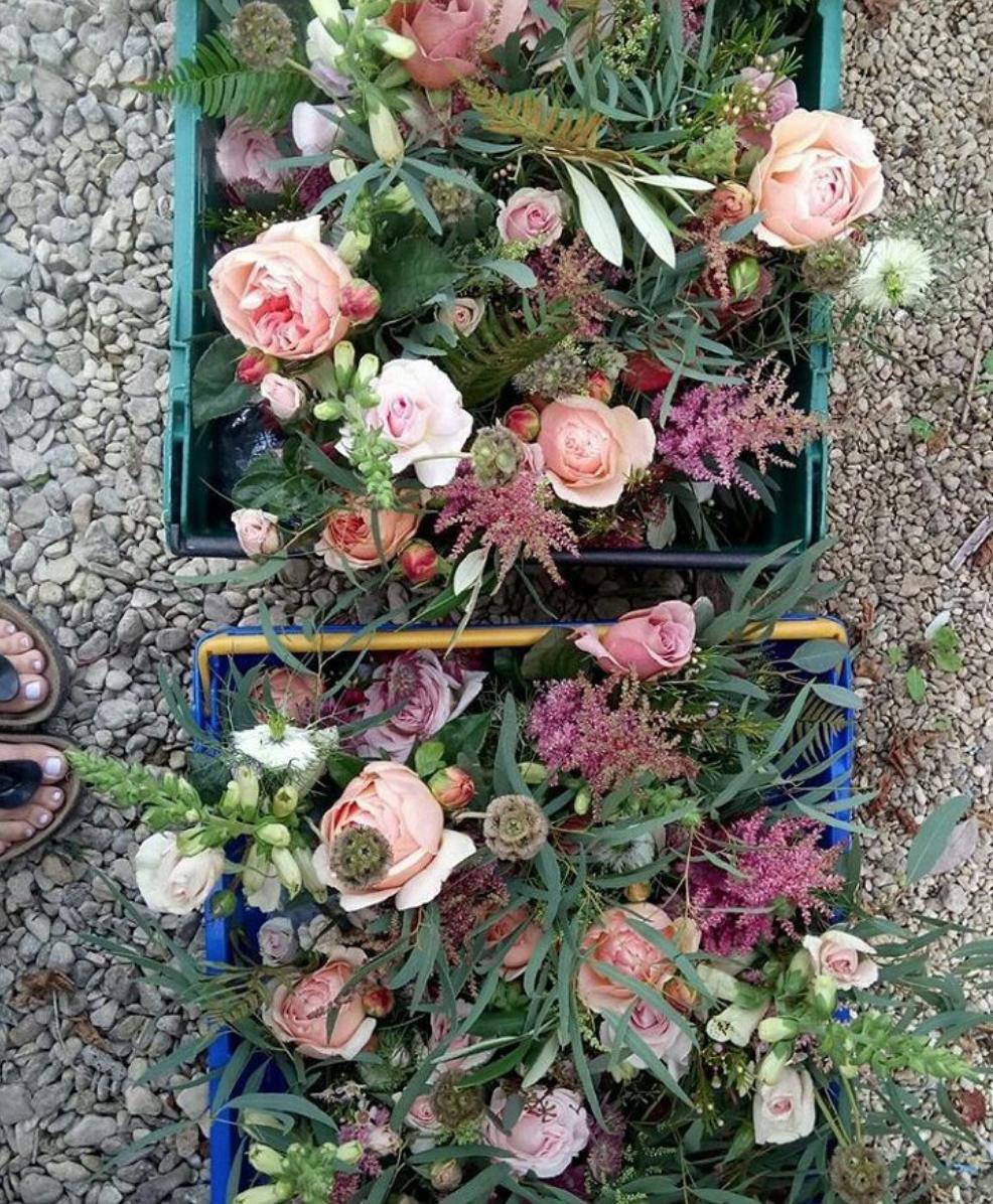 Luna In The Wild wedding flowers