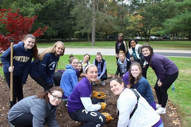 A beautiful Hope Garden Planting Ceremony took place this past weekend at Fontbonne Academy in Milton, MA! Aren't the shirts so cool? We are so proud of all the schools, hospitals, and community centers who have tackled the stigma of mental illness and planted hope gardens these past few weeks! Make sure to plant a hope garden before the frost comes💛🌷#TheYellowTulipProject