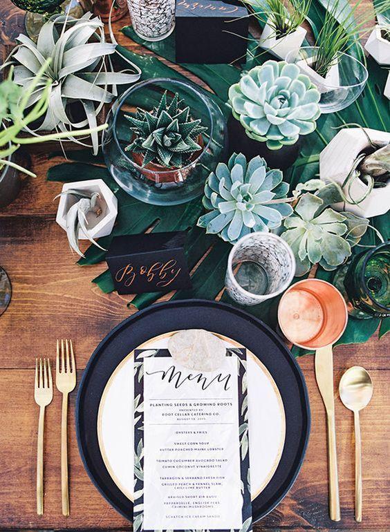 Table weddingbells.jpg