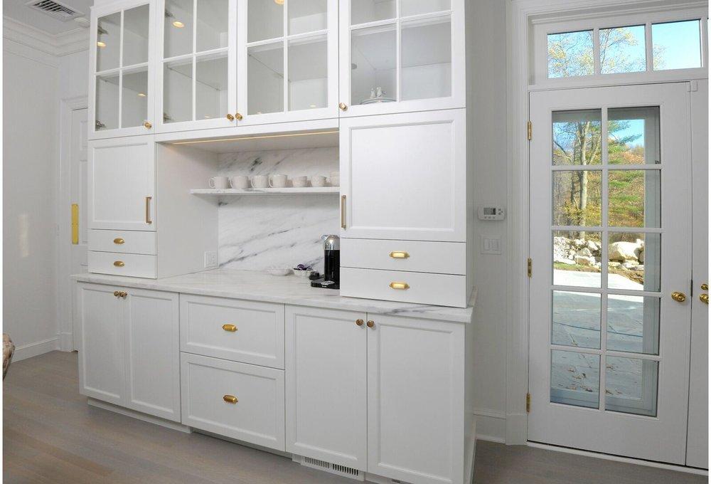 kitchen-breakfast-bar-marble-backsplash-greenwich-4_preview.jpeg