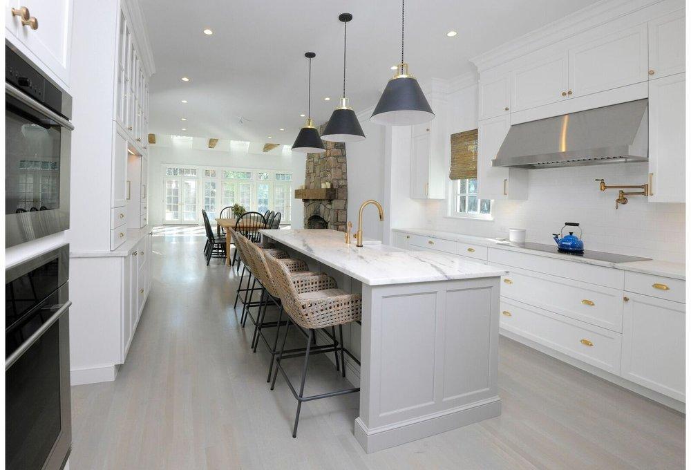 kitchen-gray-island-greenwich-9_preview.jpeg