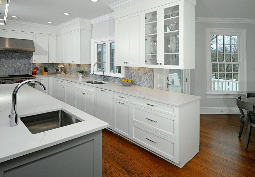 white_gray_kitchen.jpg