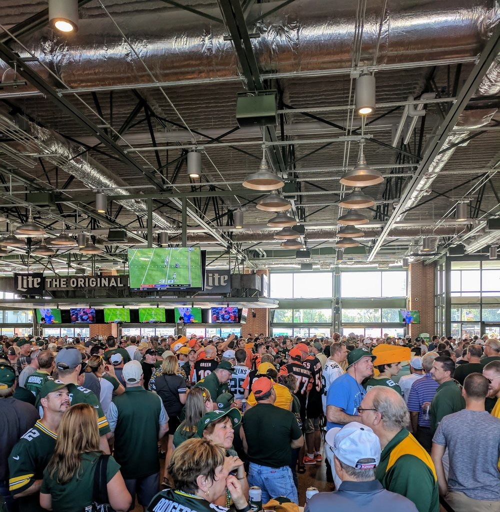 Lambeau Field bar packed with Packer fans