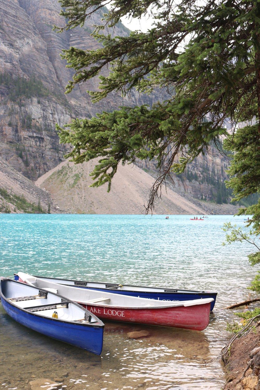 Lake Lodge Canoe Rental Lake Moraine Banff National Park