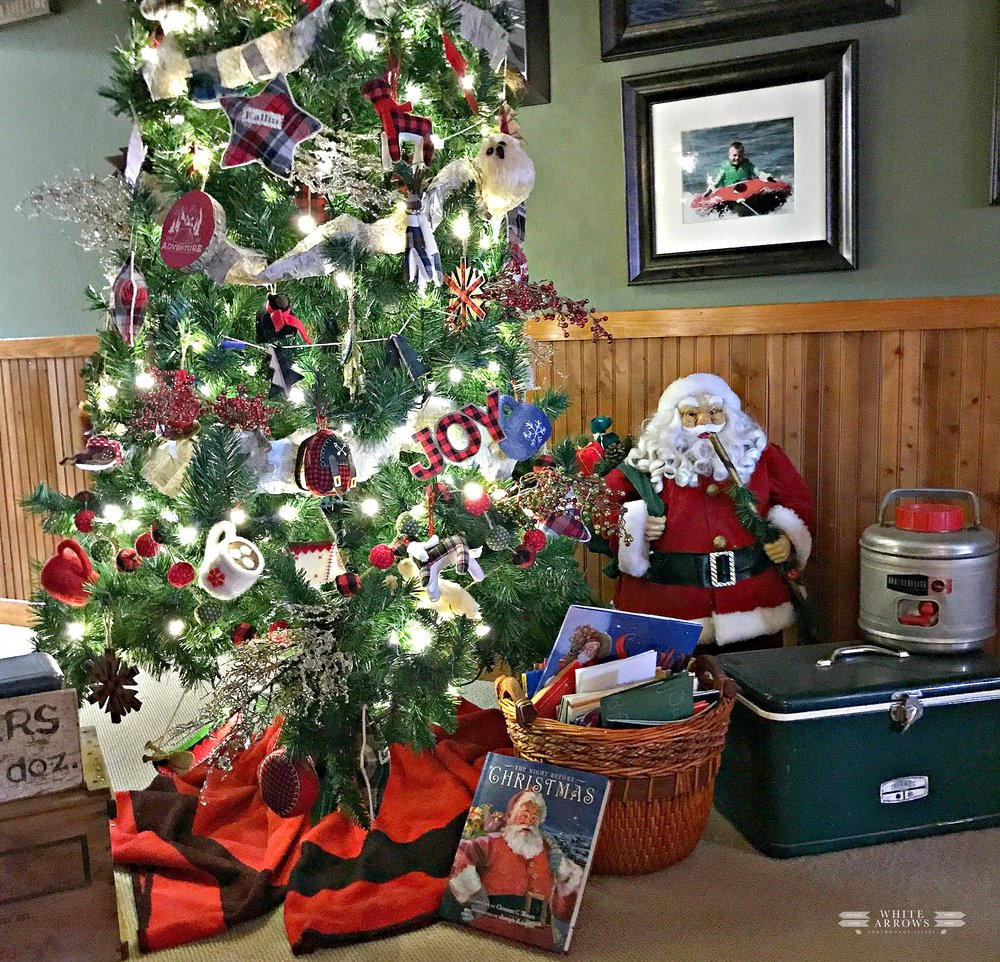Lake House Holiday, Northwoods Christmas Tree
