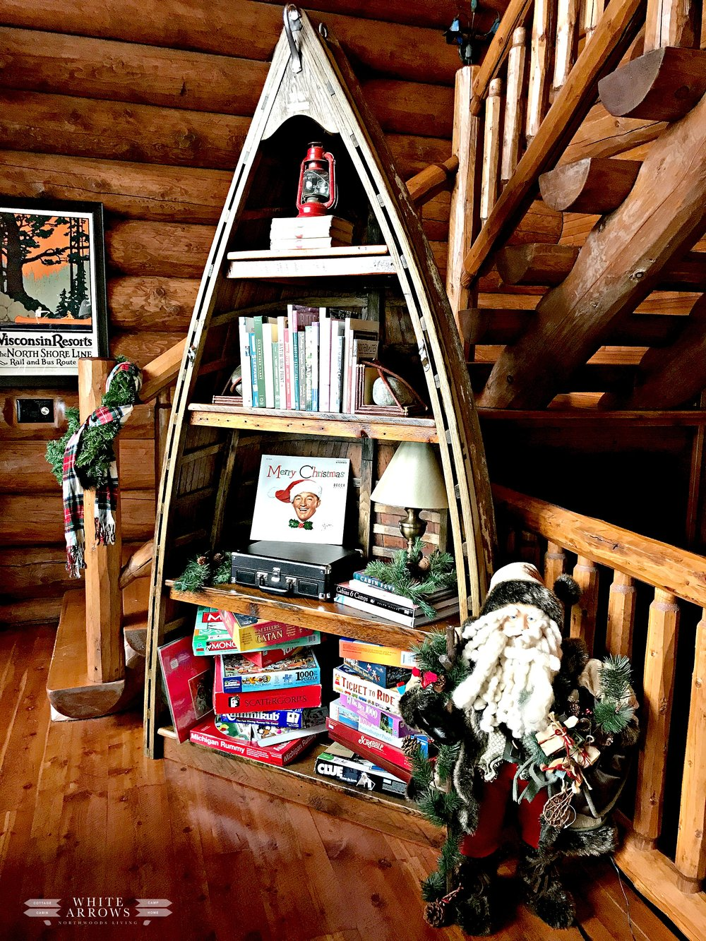 Lake House Holiday, Boat Bookcase in cabin