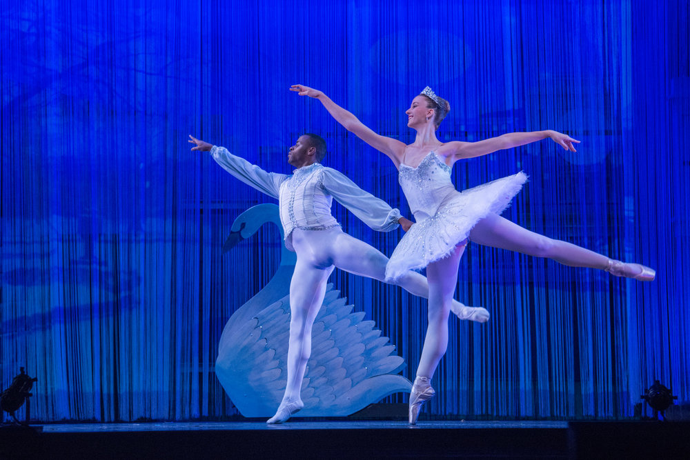 Dylan Contreras and Kirsten Glaser as Snow King and Snow Queen in Tony Williams Urban Nutcracker. Credit Petr Metlicka.jpeg