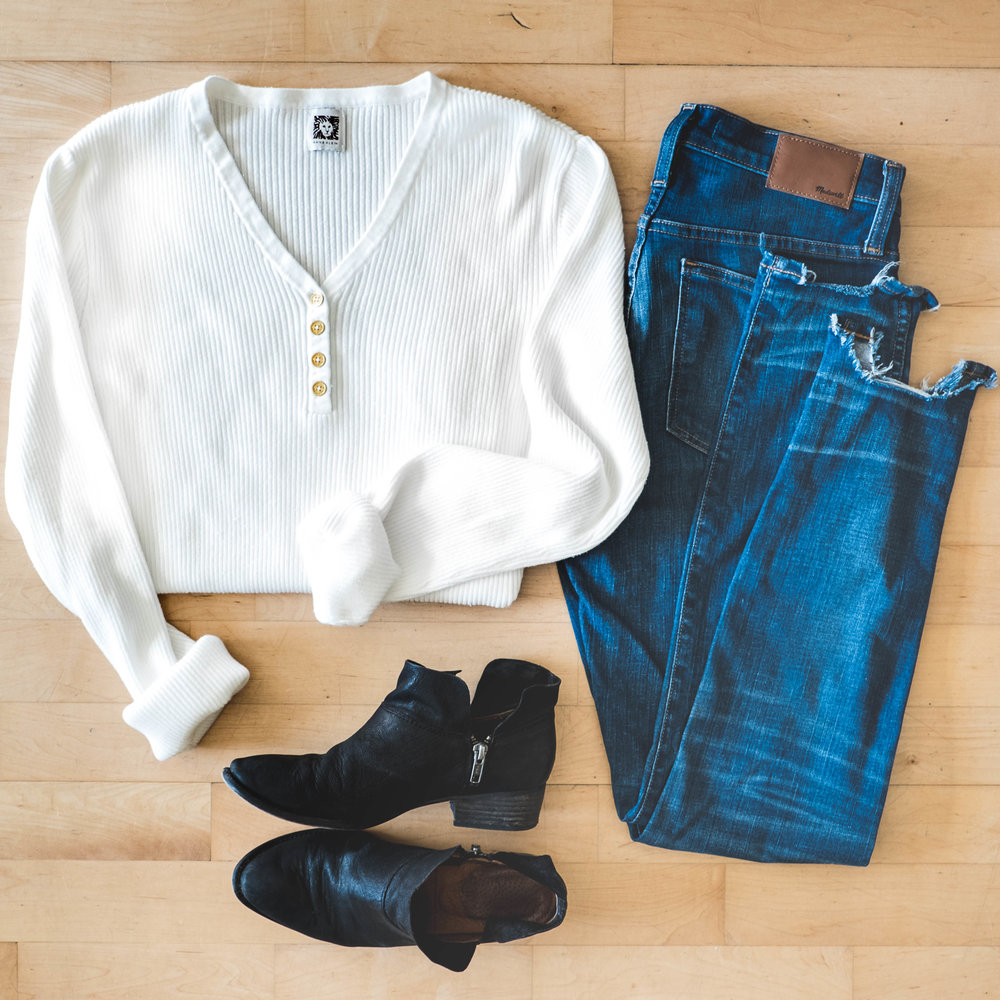 OutfitLay_101217_1x1-4.jpg