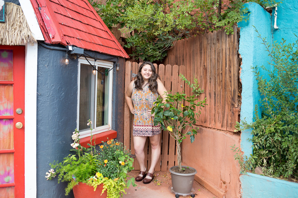 Colorado Springs Senior Session in Manitou Springs by colorful buildings | Stacy Carosa Photography | Colorado Springs Senior Portrait Photographer