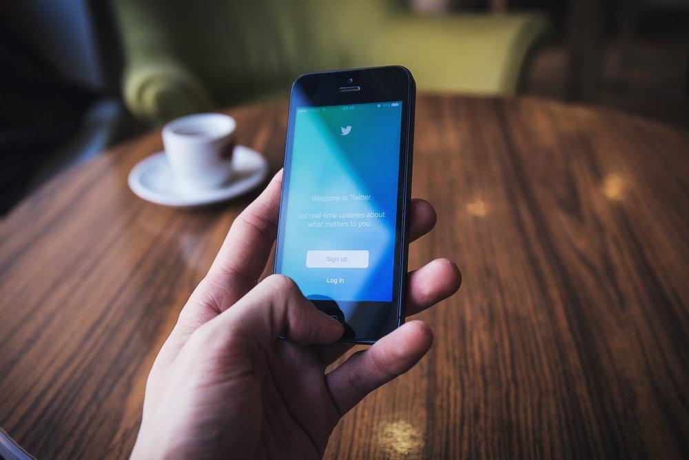 social mobile.jpg
